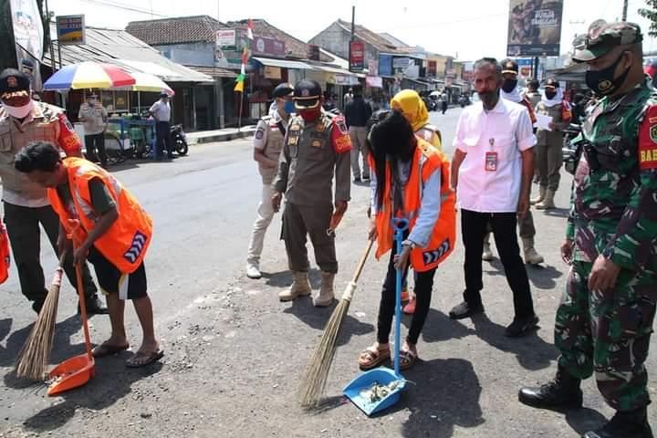 Sanksi sosial diterapkan di Purwakarta